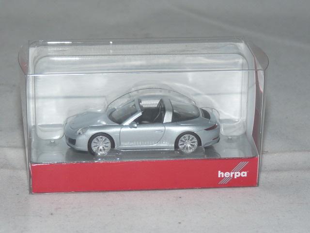 NEU in OVP Porsche 911 Targa 4S,rhodiumsilbermetallic Herpa 038904 H0 1:87