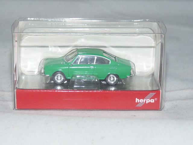Herpa 028882-1/87 Skoda 110R Verkehrsgrün Neu