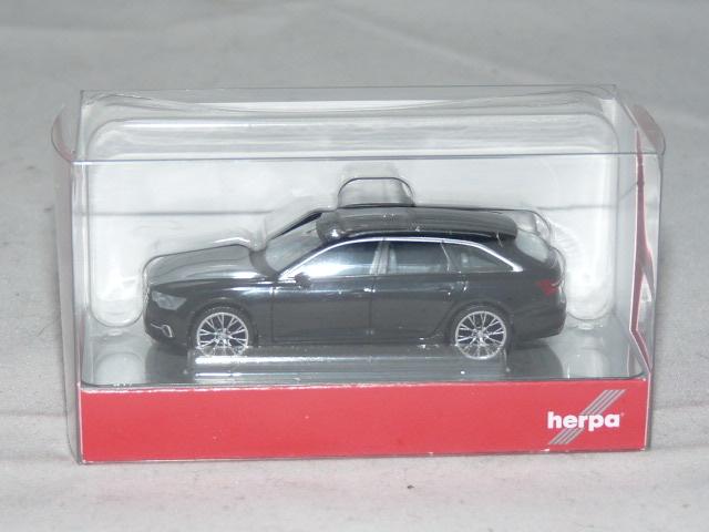 Neu brillantschwarz mit zweifarbigen Felgen Herpa 430685-1//87 Audi A6 Avant