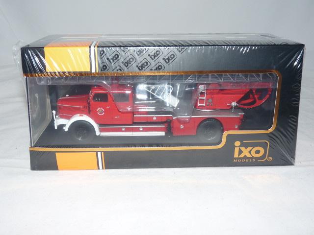 Krupp DL 52 Drehleiter Feuerwehr Essen rot Modellauto 1:43 ixo models